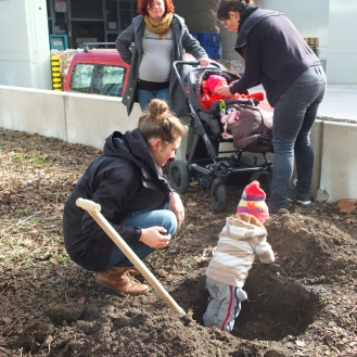 Planting for next generations, Berlin, Mundraub planting action (2017)